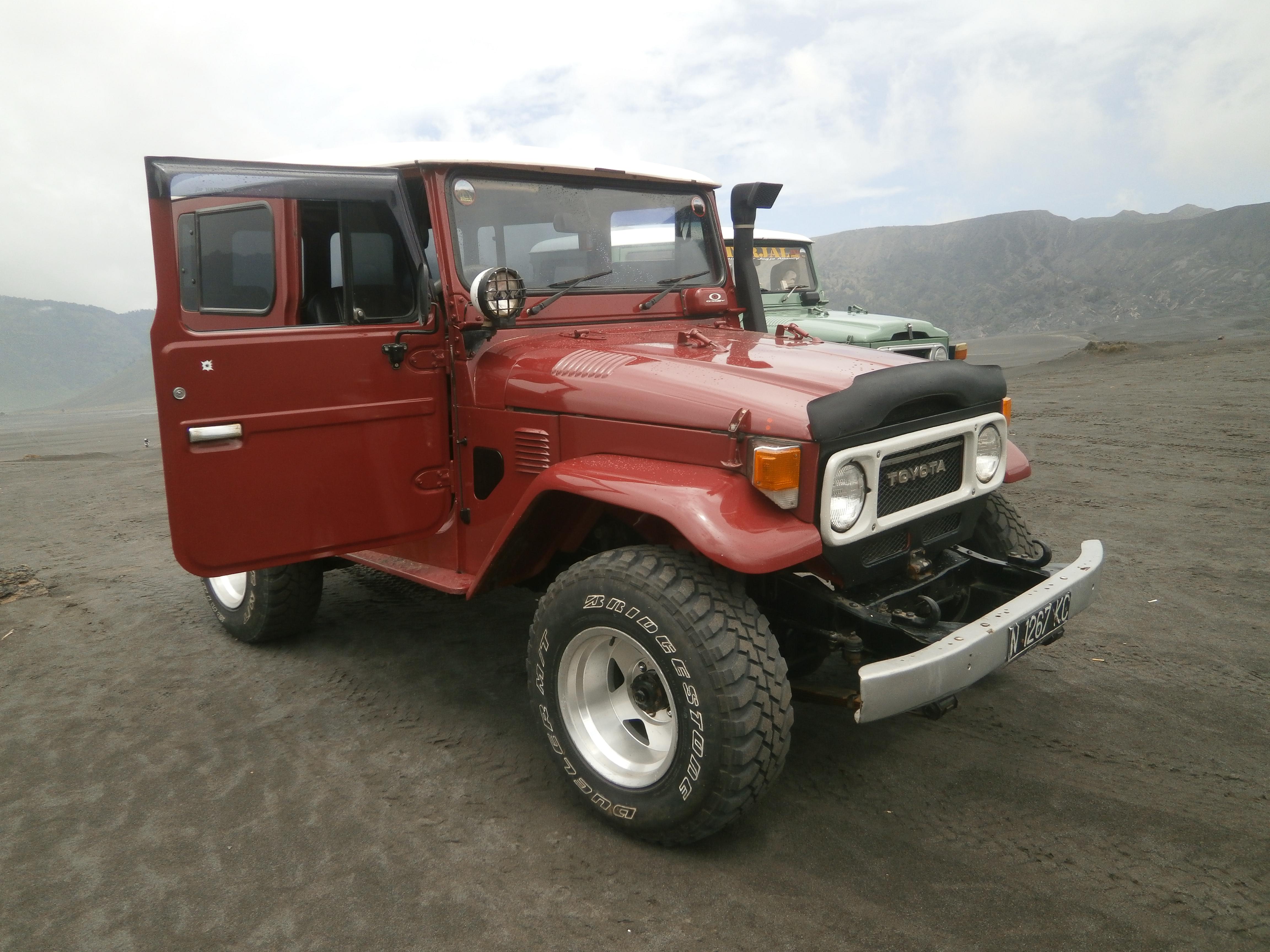 Paket Sewa Jeep